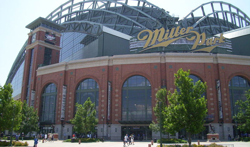 5 Best Ballpark Food Options at Miller Park (2016)