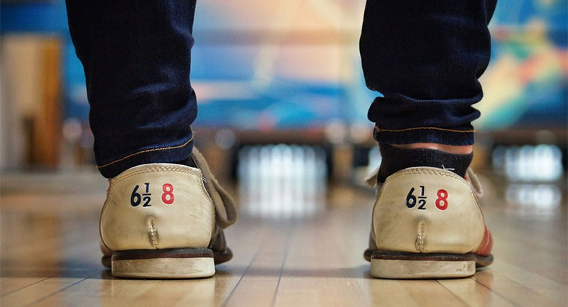 Wear The Best Bowling Shoes For Beginners (Men & Women's Bowling Shoes Guide)