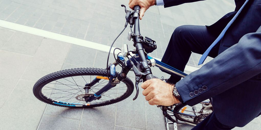 Stay Safe With These 8 Bike Safety Commuting Tips